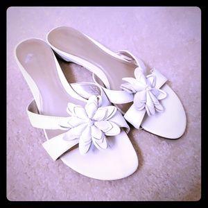 Covington leather white slides sandals sz 8.5